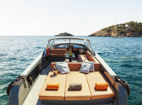 Ibiza motorboat Van Dutch 40 rental