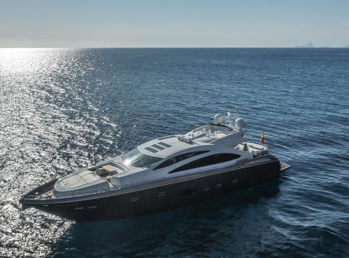 Ibiza superyacht rental Sunseeker with 4 cabins