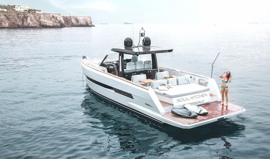 Barco a motor Fjord 44 Open