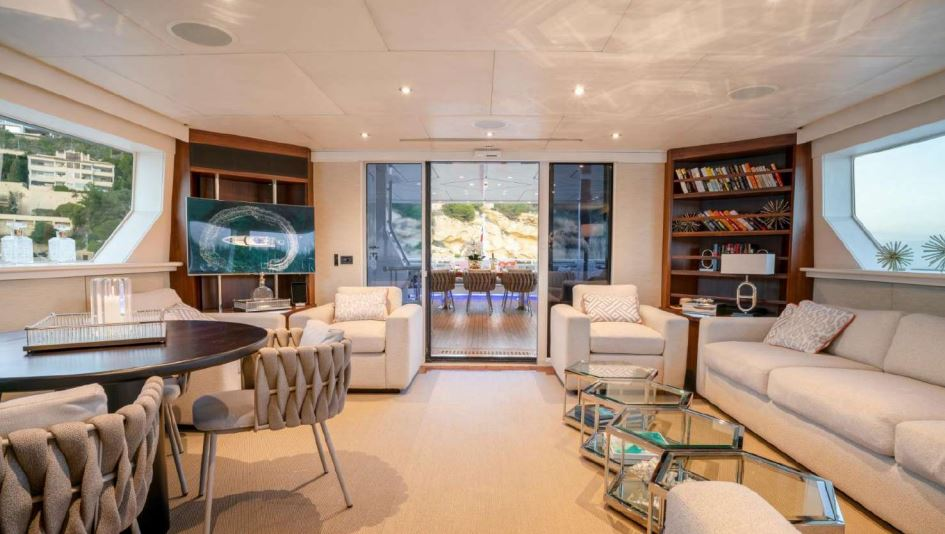 envy yacht charter 10