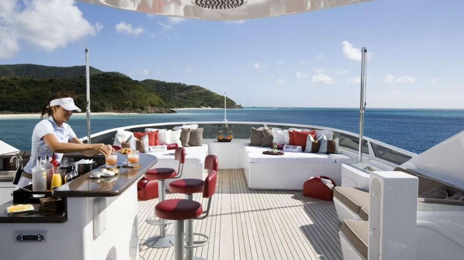 envy yacht charter 12