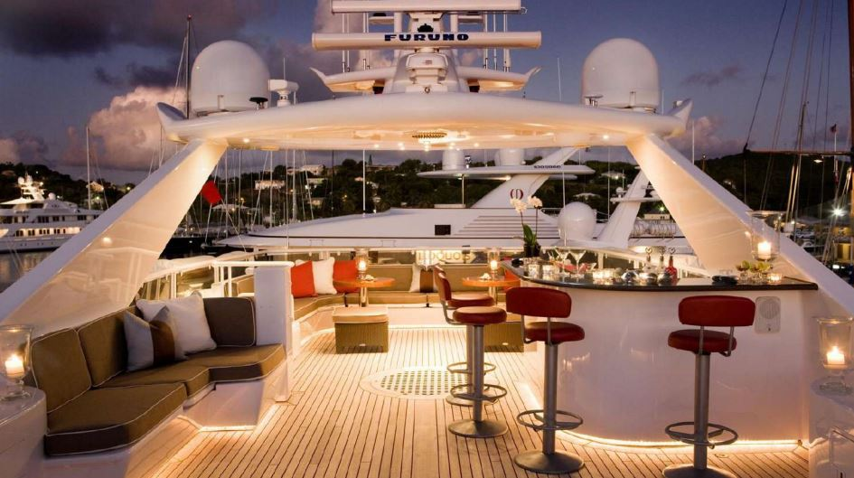envy yacht charter 13