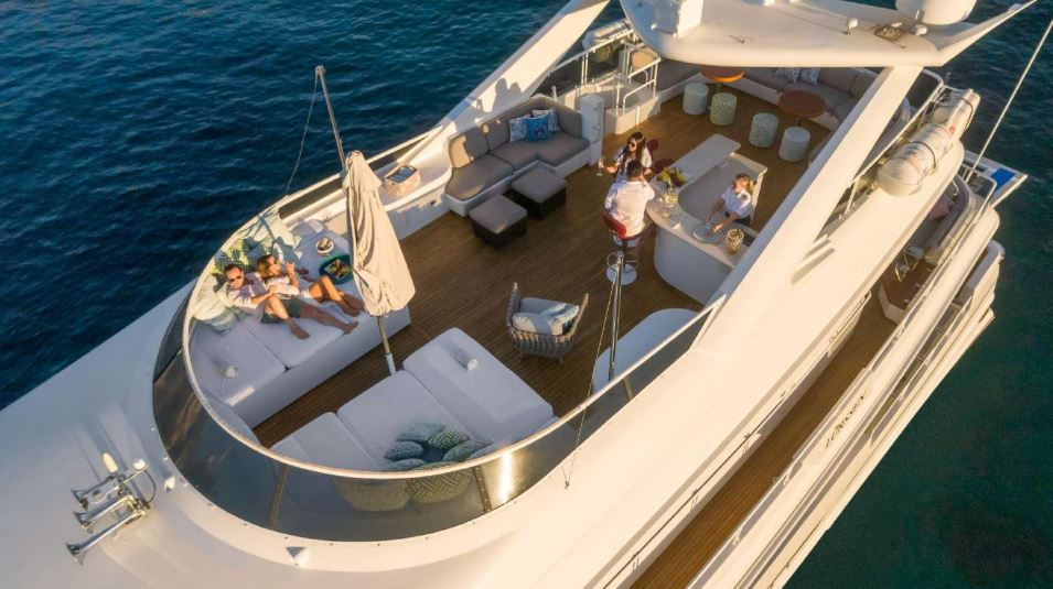 envy yacht charter 3