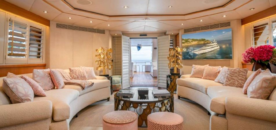 envy yacht charter 5