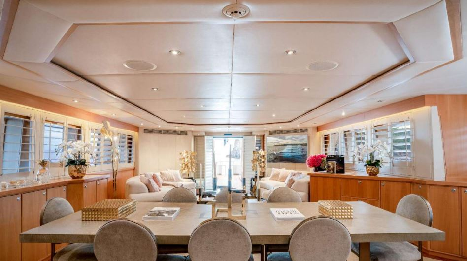 envy yacht charter 6