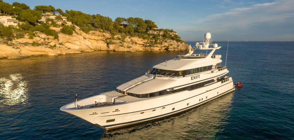envy yacht charter